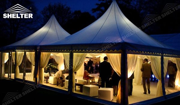 tentes gazebo chapiteau blanc dans le jardin shelter tente. Black Bedroom Furniture Sets. Home Design Ideas